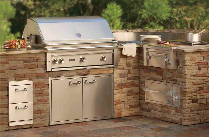 introducing lynx makers of premium outdoor kitchens